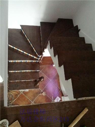 法瑞土木系统工程之法瑞楼梯现浇楼梯基础铺实木板
