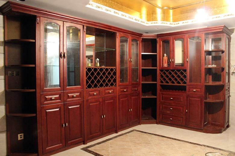 欧式红色木柜橱柜设计