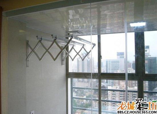 > 阳台晾衣架效果图 让阳台变得既美观又实用