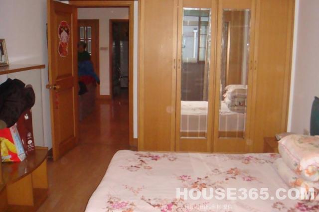 背景墙 房间 家居 酒店 设计 卧室 卧室装修 现代 装修 640_426