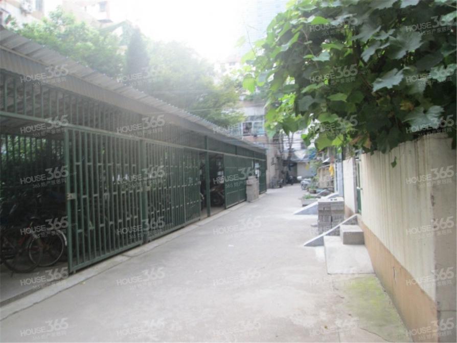 淮海新村5室1厅1卫7平米合租简装