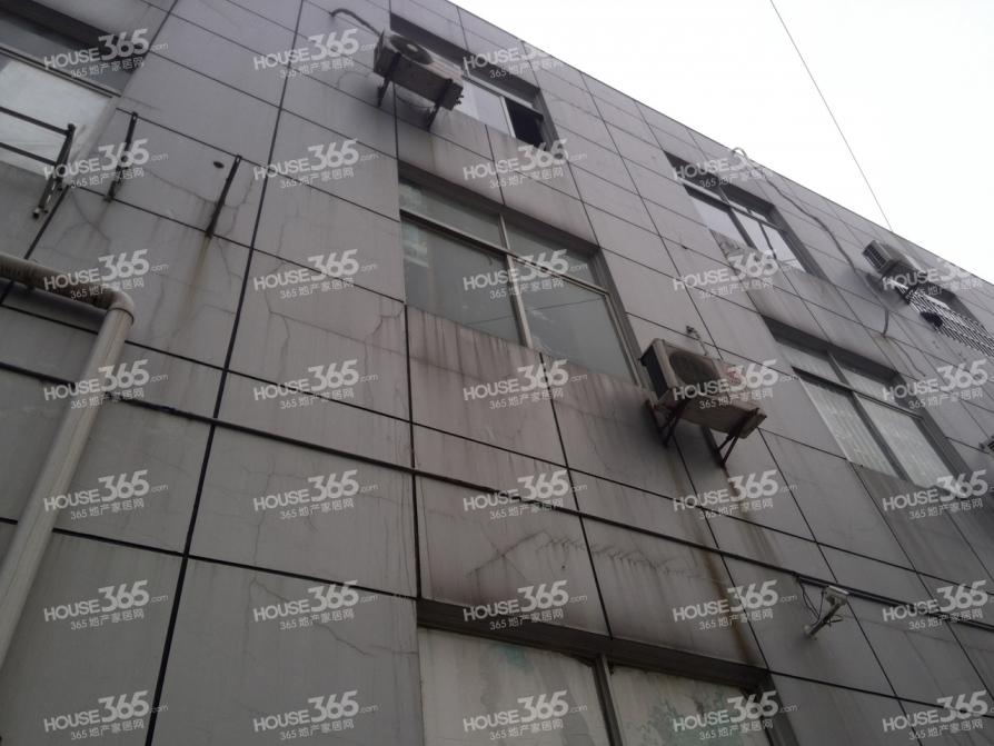 中国女人街160平米毛坯2006年建