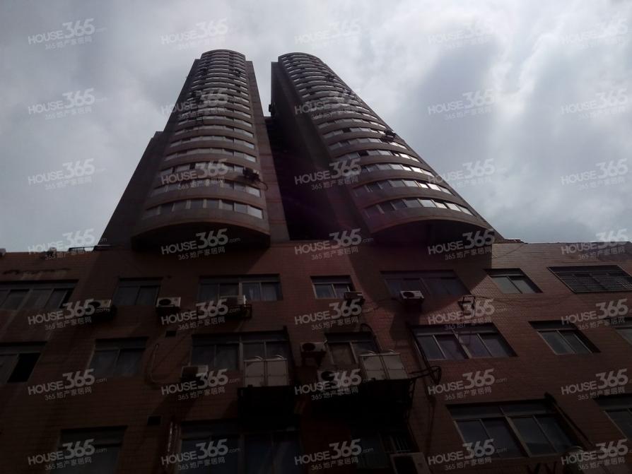 宏鹰大厦2室1厅1卫113平方产权房简装
