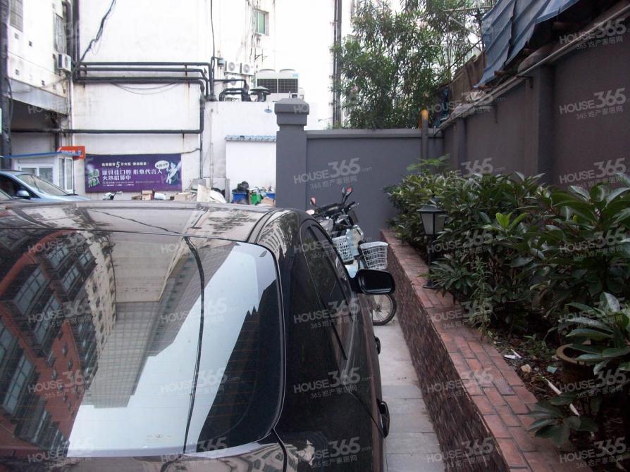 汇金九龙商业街2室1厅1卫59平米整租精装