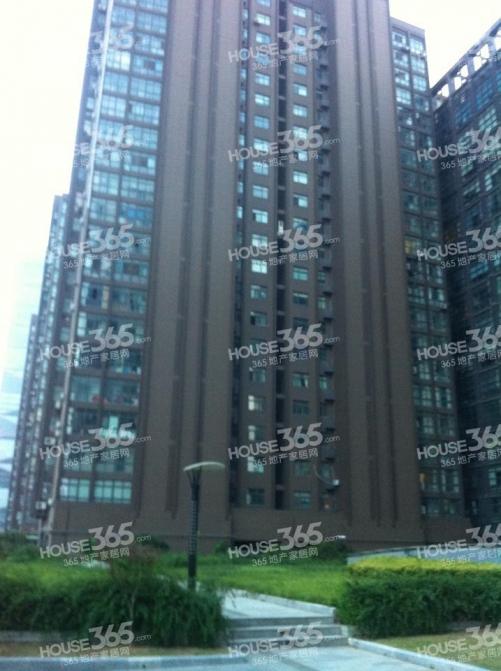 中泰国际广场2室2厅1卫108.94平方产权房简装