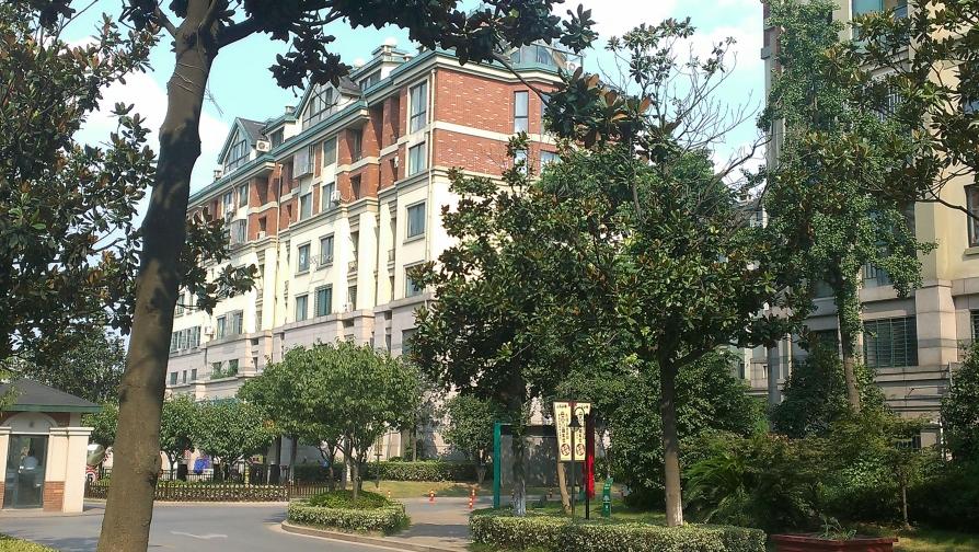 左邻右里  3室2厅2卫132.5平米简装产权房2003年建