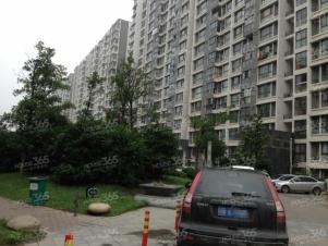 香城花园四期2室2厅1卫93.00�O2011年满两年产权房毛