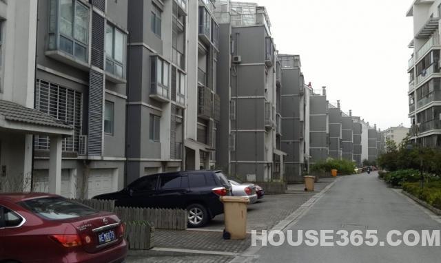 【绿岛花园213㎡豪装别墅4室3厅260万出售满5年_苏州