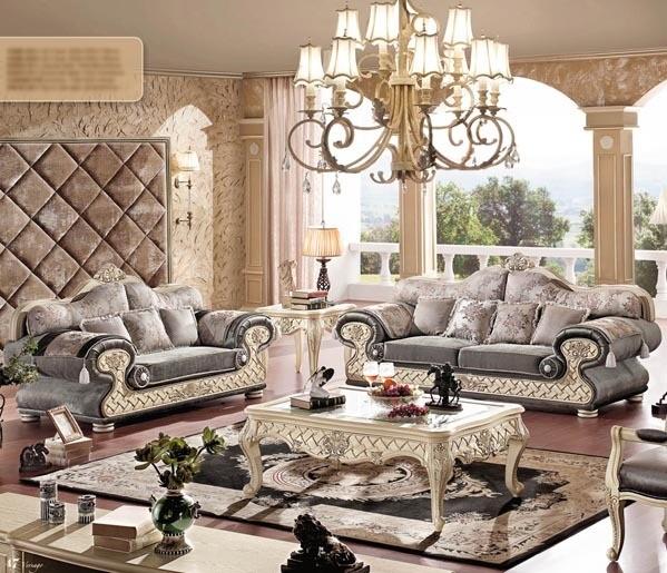 客厅沙发摆放效果图 欧式沙发,顾名思义是欧洲款式的沙发,欧式沙发是沙发的鼻祖,来源于十七世纪的法国。当时由于沙龙salon(在法语中一般意为较大的客厅,另外特指上层人物住宅中的豪华会客厅,之后逐渐指一种在欣赏美术结晶的同时,谈论艺术、玩纸牌和聊天的场合)的出现。