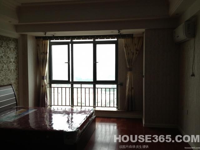万达单身公寓18/23精装50平米1室1厅全设1500/月